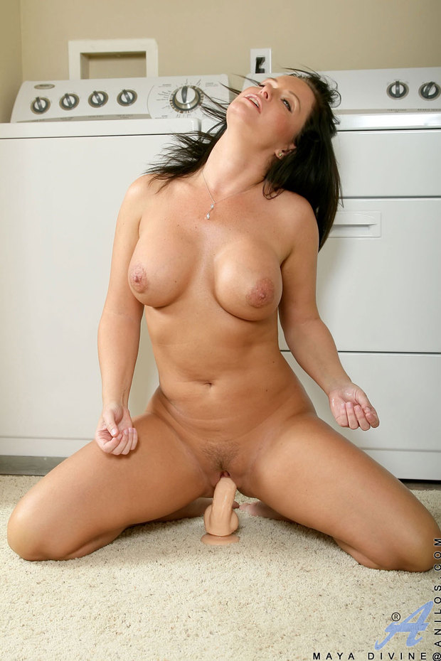 milfs fucking dildo with suction cup