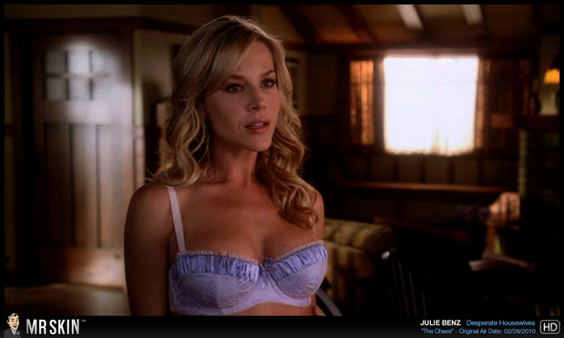 Julie Benz is a hot mama; Celebrity Hot