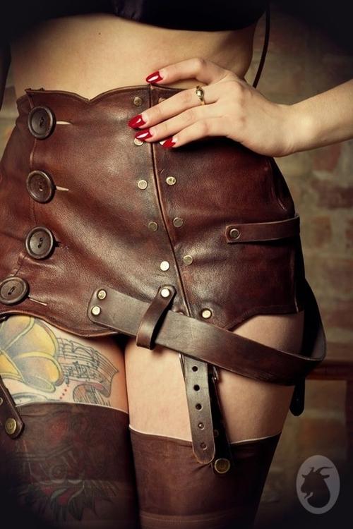 leather bondage escort mogen