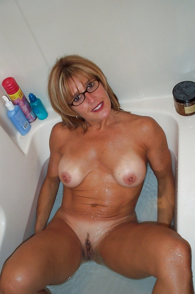 Amatuer blonde milf movie