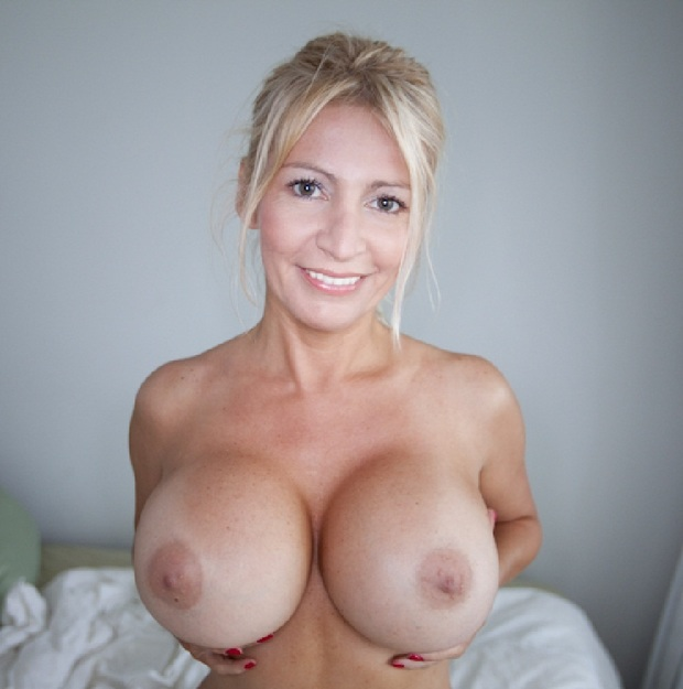 Mature Hot Tits 114