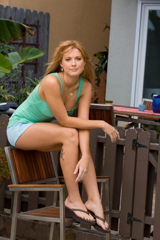 ...; Babe Foot Hot Non Nude