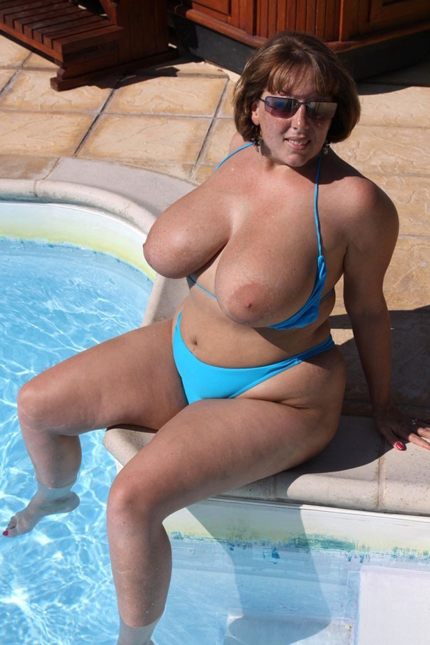 Mature bikini big boobs